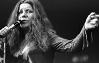 So-sad-to-be-alone-Janis-Joplin